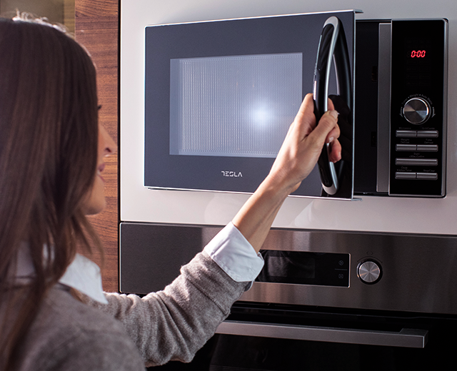 EIGHT UNBELIEVABLY USEFUL IDEAS TO USE YOUR MICROWAVE