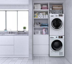 Tesla mašina za pranje i Tesla mašina za sušenje veša u vešernici u kuhinji