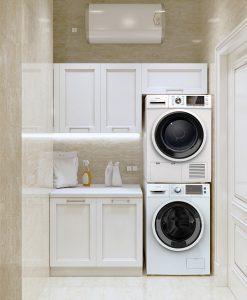 Tesla mašina za pranje i Tesla mašina za sušenje veša u malom belom kupatilu