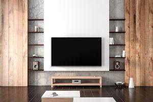 dekorativni zid u kombinaciji drvenih polica sa Tesla televizorom