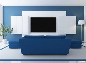 dekorativni plavo beli zid sa Tesla televizorom
