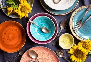 Vintage tanjiri u razli;itim bojama